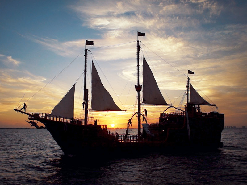 Jolly Roger Cancun Tour Pirate Ship Dinner Cruise And